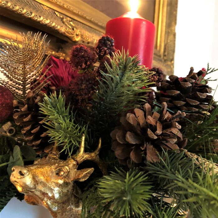 Franc Red Stag Christmas Urn1