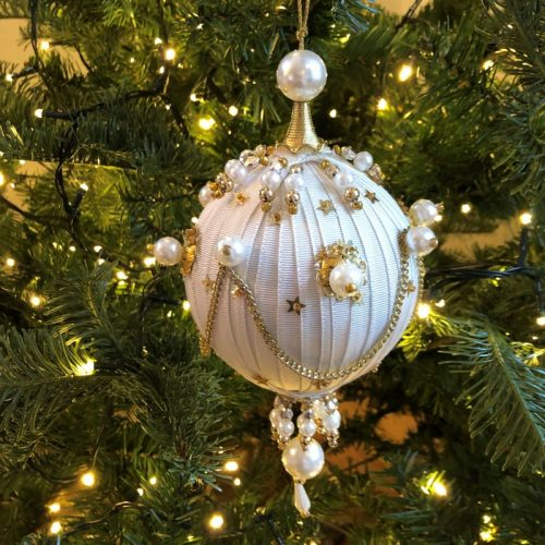 Franc Pearl Bauble